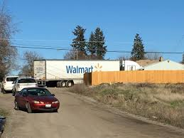 Suspect arrested after Wal-Mart semi leads authorities on chase ...