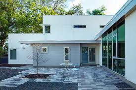 backyard modern home austin