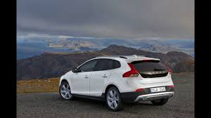 2018 volvo v40.  volvo in the 2018 volvo all new v40 cross country with volvo v40
