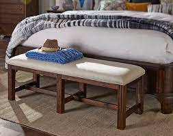 trisha yearwood bedroom carroll bench