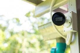 Câmera e casa privada no fundo fotos, imagens de © sensay #273607604