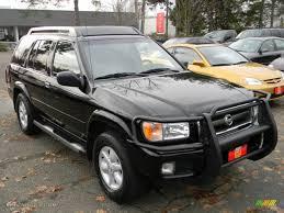 2002 Super Black Nissan Pathfinder SE 4x4 #59360047 Photo #2 ...