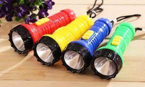 XẢ HÀNG-Móc khóa đèn pin mini, ánh sáng đèn Led cực mạnh, chiếu rõ vào