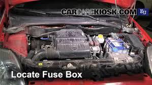 replace a fuse 2005 2011 fiat grande punto 2007 fiat grande fiat punto grande fuse box layout at Fiat Punto Fuse Box