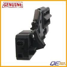 mercedes benz ml500 trunk lids parts genuine mercedes benz w163 ml320 ml350 ml500 ml55 trunk lid handle 1637400293 fits mercedes benz ml500