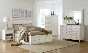 Ellsworth 4-Piece King Storage Bedroom Set - White |