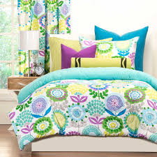 Pointillist Pansy Comforter Set from Crayola