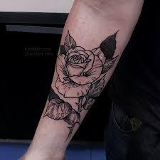 фото татуировки на шраме роза в стиле дотворк графика лайнворк на