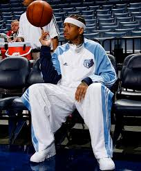 in september 2009 iverson agreed to a one year deal with the memphis grizzlies