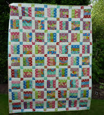 Mack and Mabel: Easy Newbie Quilt Pattern for Jelly Roll Strips & This is the toddler size!! Adamdwight.com
