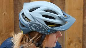 Troy Lee Designs A2 Vs A1 Reviewed Troy Lee Designs A2 Mtb Helmet Total Wom