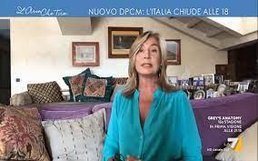 L'aria che tira, Myrta Merlino non è in studio: 'Ecco perché mi vedrete a  casa' – Tvzap