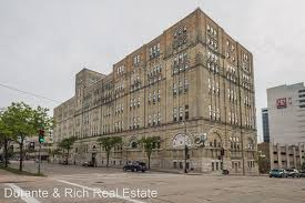downtown milwaukee apartments for