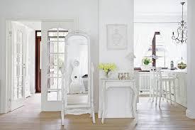 Sale Da Pranzo Con Boiserie : Boiserie amp c bianco lino per il nuovo shabby chic