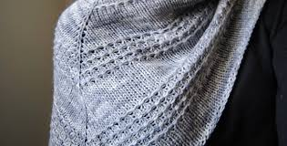 Knitted Shawl Patterns Cool Knitted Zilver Triangle Shawl [FREE Knitting Pattern]