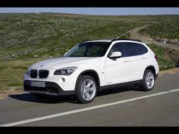 2010 BMW X1 - Front And Side Speed White - 1280x960 - Wallpaper