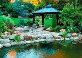 Романтический сад Романтический сад точнее сад с романтическим настроением не должен просматриваться целиком не должен иметь в себе обилие ярких красок