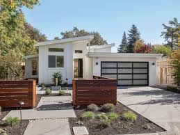 05 Fresh and Beauty Modern Front Yard Landscaping Ideas