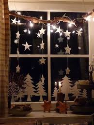 beautifull ideas to have christmas stars window decoration