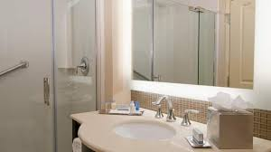 doubletree by hilton hotel dulles airport sterling va king bed standard bathroom