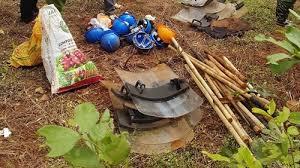 Image result for Vũ khí của nhóm công nhân của Cty Long Sơn