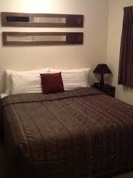 Perfect Ballinor Motor Inn: King Size Bed. Small Room But Very Comfy.