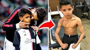 8 strenge Regeln, die Cristiano Ronaldo Junior befolgen muss - YouTube