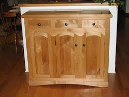 Knotty Alder Wood Cabinets Alder Alnus Rubra Its Possible Youve Overlooked This One