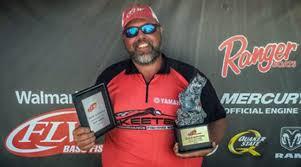 Checotah Angler Wins Walmart Bass Tournament Held On Skiatook La