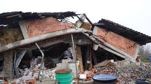 Das erste große und stärkste beben wirkte mit einer magnitude von 7,8 m w am 25. Neues Erdbeben In Kroatien Versetzt Die Menschen In Angst Und Schrecken The Weather Channel Artikel Von The Weather Channel Weather Com