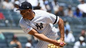 Image result for Free pictures of Mariano Rivera's follow thru