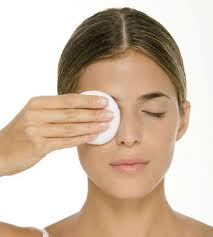 coconut oil to eye make up remover pic