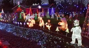 Christmas Lights In Olympia Washington Two South Sound Homes Light Up Impressive Holiday Lights