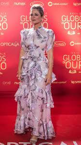 She was born in 1970s, in generation x. Paula Lobo Antunes Nit