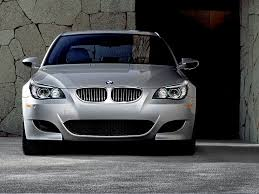 2010 BMW M5 Specs and Photos | StrongAuto