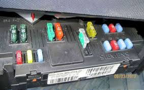 peugeot 1007; fuses; fusebox fuse box problems jaguar 2005 x type Fuse Box Problems #28