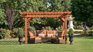 Factors Must Be Kept In Mind While Purchasing Pergola Furniture