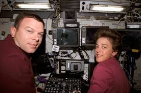 File:STS-114 James Kelly and Wendy Lawrence at Canadarm2 controls.jpg -  Wikimedia Commons