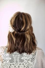 Coiffure Femme Cheveux Mi Long Pour Le Printemps Et Lété