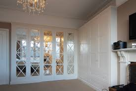 Mirrored Bedroom Doors Fitted Bedrooms Wardrobes Beds And Chests Of Drawers