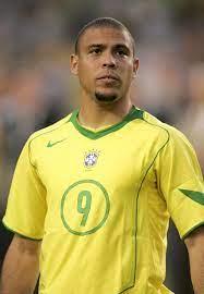 Ronaldo | Steckbrief > Biografie > Lebenslauf > Dokumentation