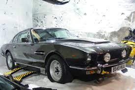 Datei Aston Martin V8 Vantage James Bond Jpg Wikipedia