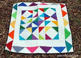 12 Free Charm Pack Quilt Patterns to Stitch Up & Photo via Craftsy member KD-Quilts Adamdwight.com