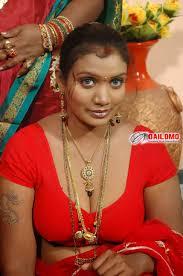 30 year old bhabhi from Kolkata naked showing A 100 free dating.