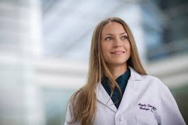 Dr. Angela Smith New Director of Urologic Oncology