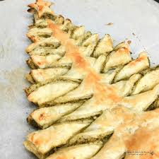 Sprinkle cheddar cheese over spinach on the triangle. Christmas Tree Puff Pastry Appetizer Walking On Sunshine Recipes