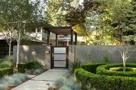 garden gates go contemporary 16 sleek