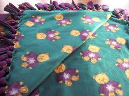 No-sew fleece blanket how-to instructions & How to make a no sew fleece blanket Adamdwight.com
