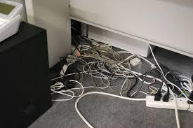 「パソコン 配線 整理 オフィス」の画像検索結果