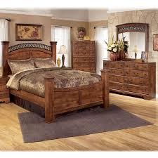dark cherry wood bedroom furniture sets. 4-Piece Queen Bedroom Set In Brown Cherry | Nebraska Furniture Mart Dark Wood Sets G
